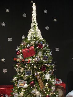 Paris themed tree at the Festival of Trees 2012
