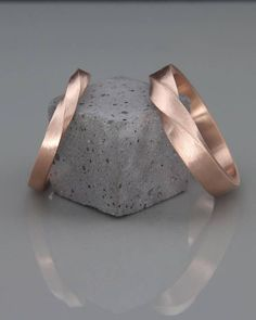 Rose Gold Mobius Wedding Band set His and Hers Mobius Ring Set made of Rose Gold Mobius wedding ring set Wedding Rings Sets His And Hers, Wedding Band Sets, Wedding Men, Wedding Dress, Gold Wedding, Wedding Ring Designs, Wedding Jewelry, Mobius Ring, Or Rose