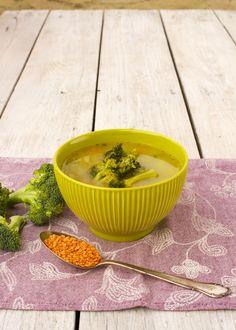 Bodlo by ti v tejto zime niečo teplé na zahriatie? Táto polievka je hotová do 20 minút a môžeš si jej urobiť aj na viacdní – keď prídeš domov uzimená, stačí ju len zohriať a hneď ti bude veselšie. Okrem toho, že je výživná, obsahuje aj veľa zdraviu prospešných látok. Veď v nej používamebrokolicu, ktorá… Continue reading → Broccoli, Cauliflower, Serving Bowls, Tableware, Blog, Dinnerware, Cauliflowers, Tablewares, Blogging