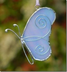 The Journey of a Stained Glass Butterfly Gift Stained Glass Night Lights, Stained Glass Ornaments, Stained Glass Birds, Stained Glass Christmas, Stained Glass Suncatchers, Stained Glass Projects, Stained Glass Patterns, Butterfly Gifts, Glass Butterfly