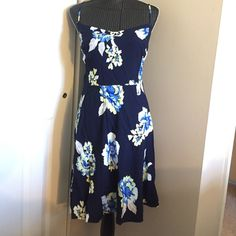 Floral Summer Dress Floral print, blue, yellow, white, adjustable straps, short zipper and elastic in back, only worn once, size xxl. Old Navy Dresses