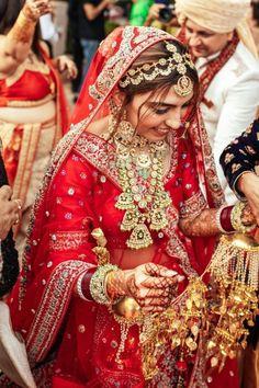 Indian Bridal Photos, Indian Bridal Outfits, Indian Bridal Fashion, Indian Bridal Wear, Indian Wedding Jewelry, Bridal Dresses, Indian Bride Dresses, Rajasthani Bride, Rajasthani Dress