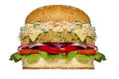 MEDEME! VEGETARIANO: Pão Integral, hambúrguer base de grão de bico e tahine (200g), brócolis, cenoura, molho bechamel, queijo mozzarella, catupiry, rúcula e tomate e cebola roxa.