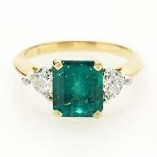 Vintage-style emerald ring