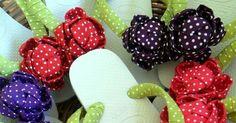 Ponle un toque original y creativo a cualquier par de sandalias comunes y corrientes. No tienes que ser un experto, basta usar materiales s... Ribbon Flip Flops, Diy And Crafts, Crafty, Slippers, Decorated Flip Flops, Vases, Sombreros, Mothers Day Crafts, Craft Videos