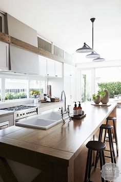 10 classic kitchens you will love forever - Home Beautiful Kitchen Benches, Rustic Kitchen, New Kitchen, Kitchen Dining, Kitchen Decor, Kitchen Ideas, Kitchen Inspiration, Kitchen Island, Timber Kitchen
