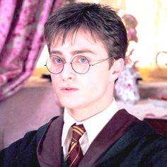 Nina h adlı kullanıcının harry potter panosundaki pin, 2019 Daniel Radcliffe Harry Potter, Harry James Potter, Harry Potter Films, Harry Potter Fandom, Harry Potter Hogwarts, Harry Potter World, Harry Potter Portraits, Harry Potter Pictures, Hery Potter