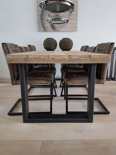 Dining Table 2020 – What dining table is best for small space - Home Ideas Dining Room Table, Wood Table, Dining Chairs, Plank Table, Rustic Furniture, Furniture Design, Mesa Metal, Esstisch Design, Diy Home Decor