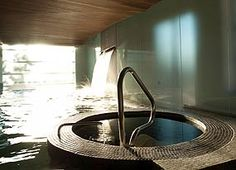 Live the authentic Nordic spa experaince. Scandinave Spa Vieux-Montreal offers Scandinavian baths and massages where mind and body find peace. Vieux Port Montreal, Old Montreal, Canadian Spa, Hotel Et Spa, Scandinavian Baths, Spa Packages, Pet Friendly Hotels, Best Spa