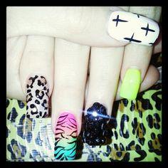 Nails vary clorful