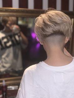 Shaved Undercut, Undercut Bob, Shaved Nape, Super Short Hair, Short Hair Cuts, Short Hair Styles, Pixie Hairstyles, Trendy Hairstyles, Chelsea Cut