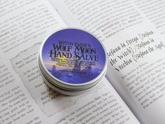 Wolf Moon has a very magical fragrance that transports you right to the middle of a snow covered fairytale forest. Crisp juicy apples blend beautifully with cool woodsy pine.
