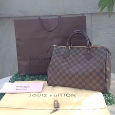 Louis Vuitton Handbags one day! One day i will have my own loui collection New Louis Vuitton Handbags, Louis Vuitton Artsy, New Handbags, Louis Vuitton Neverfull Mm, Handbags Online, Hi Fashion, Women's Summer Fashion, Fashion Bags, Bag Sale