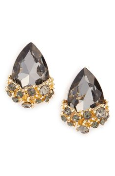 Obsessing over these gorgeous crystal drop earrings.
