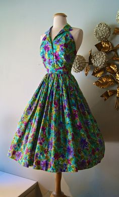 Vintage 1950s Floral Print Halter Dress and Skirt por xtabayvintage
