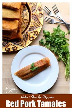 Red Pork Tamales (or Tamales de Puerco en Chile Rojo) is traditional Mexican food at its best. So incredibly delicious. They are worth the effort to make. With VIDEO and step-by-step tutorial. By Mama Maggie's Kitchen Authentic Mexican Recipes, Mexican Food Recipes, Tasty Dishes, Food Dishes, Nachos, Pork Recipes, Cooking Recipes, Tamale Recipe, Red Pork Tamales Recipe