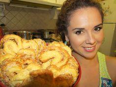 Te dejo la receta fácil para aprender a hacer pasta hojaldrada, la misma que se utiliza para orejas de pan, pastel mil hojas, banderillas, quiche y muchos ma...