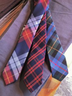 Love these plaid ties. Perfect with a chino suit or a lightweight blazer.