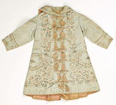 Dressing gown, 1875–79, British; silk Dimensions: Length at CB: 26 1/2 in.