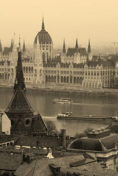 Budapest_HU Cologne, Budapest, Taj Mahal, Cathedral, Louvre, Building, Places, Travel, Viajes