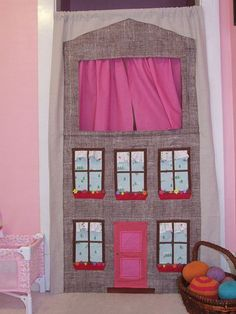 DIY Doorway Puppet theater: spring rod and curtain. Sewing For Kids, Diy For Kids, Crafts For Kids, Fun Projects, Sewing Projects, Homemade Toys, Hand Puppets, Cute Crafts, Diy Toys