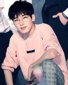 Wonwoo Seventeen Wonwoo, Seventeen Debut, Woozi, Jeonghan, Jeongguk Jeon, Choi Hansol, Adore U, Books For Boys, Pledis 17