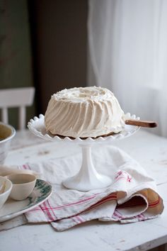 Gluten free gingerbread bundt cake with lingonberries & Vanilla goat cheese frosting | Dagmar's Kitchen