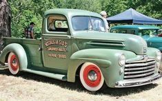 Nostalgia Sid's 1947 Ford at Kkoa Leadsled Spectacular - has front fenders and grille from 1947 Ford car grafted on