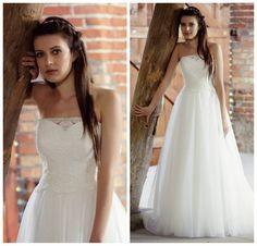 """Polubienia: 10, komentarze: 1 – Suknie Ślubne JuliaRosa (@juliarosa_suknie_slubne) na Instagramie: """"KOLEKCJA 2017 - MODEL 826  Dzisiaj prezentujemy Wam gorsetowy model o kroju klasycznej księżniczki.…"""""""