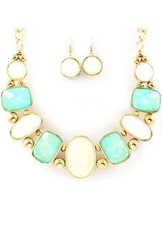 Mint Vitrail Etta Necklace... #set #earrings #gold  https://www.facebook.com/dazzlemedeals