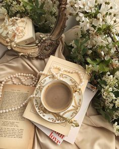 Cream Aesthetic, Aesthetic Coffee, Gold Aesthetic, Classy Aesthetic, Aesthetic Vintage, Aesthetic Photo, Aesthetic Pictures, Photowall Ideas, Princess Aesthetic