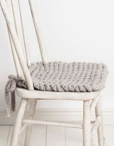 Ravelry: Champlin Chair Cushion pattern by Nancy Ekvall Knitting Supplies, Knitting Projects, Knitting Ideas, Knitting Tutorials, Baby Knitting Patterns, Free Knitting, Sock Knitting, Shawl Patterns, Knitting Machine