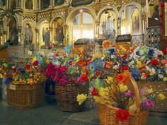 Ortodoksit virpovat palmusunnuntaina 13.4. Kristuksen Jerusalemiin ratsastamisen muistoksi. Virpominen on vanha ortodoksinen perinne Karjalasta. Arkkipiispa Leo palkitsee myös perinteisesti ansioituneita äitejä palmusunnuntain jumalanpalveluksen jälkeen Kuopiossa.