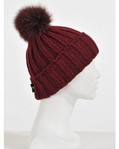 Bonnet laine pompon renard HPI bordeaux 75€ : http://www.la-canadienne.com/collection-femme/accessoires-chapkas-bandeaux-laine-alpaga-bordeaux-bonnet-hpi_4963.html