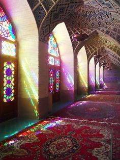 Nasir al-Mulk Mosque in Shiraz, Iran. Photo by Nancy McClelland. Islamic Architecture, Amazing Architecture, Beautiful World, Beautiful Places, Shiraz Iran, Teheran, Beautiful Mosques, Color Harmony, Stained Glass Windows