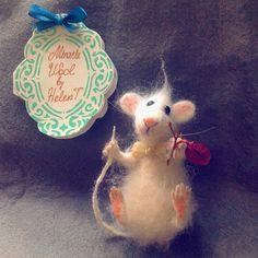 "« @pykodelie #pykodelie""  Специально для @Goldpens#Goldpens  БРОШЬ мышонок  ПРОДАН  ВОЗМОЖЕН НА ЗАКАЗ  #woolmouse  #feltgifts #gifts…»"