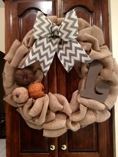 Burlap Fall Wreath Vintage Jars, Burlap Projects, Burlap Wreaths, Thanksgiving Ideas, Autumn Inspiration, Happy Fall, Christmas Deco, Wreath Ideas, Holiday Fun