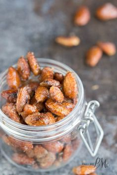 Easy Cinnamon Roasted Almonds recipe is a basic sugar coated nut recipe. It& slightly sweet with a hint of cinnamon, easy to make, great snack and gift. Cinnamon Roasted Almonds, Candied Almonds, Roasted Nuts, Raw Almonds, Nut Recipes, Almond Recipes, Cooking Recipes, Snack Recipes, Fodmap Recipes