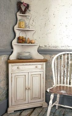 Looking to build a corner hutch for my diningroom...like the bottom, but not too overly sold on the top portion.