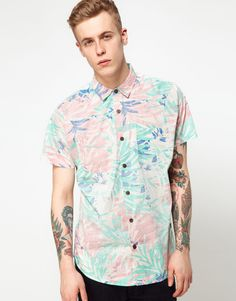 Analog Shirt Short Sleeve Hawiian Palm Print on Wantering Coachella Outfit Men, Kinds Of Clothes, Clothes For Women, Vintage Hawaiian Shirts, Hawaiian Print, Gentleman Style, Online Shopping Clothes, Clothing Items, Latest Fashion Clothes