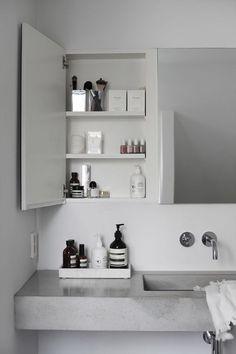 Interior: Badezimmer Concrete bathroom with great storage ideas. Minimal Bathroom, White Bathroom, Modern Bathroom, Small Bathroom, Dream Bathrooms, Bathroom Vanities, Bathroom Mirror Cabinet, Contemporary Bathrooms, Wall Mirror