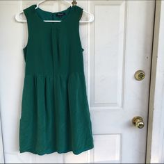 Madewell Forest Green Dress Like new Madewell forest green silk dress. This dress is absolutely to die for! The color is a bit brighter that shown in pictures. Madewell Dresses Midi