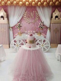 mesas-elegantes-para-el-pastel-de-xv-anos (9) | Ideas para Fiestas de quinceañera - Decórala tu misma