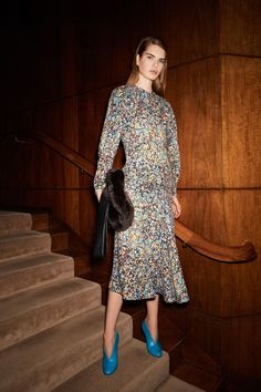 Victoria Beckham Autumn/Winter 2017 Pre-Fall Collection | British Vogue