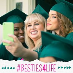 A Pitch Perfect selfie Funny Picture Quotes, Funny Pictures, Funny Pics, Pitch Pefect, Alexis Knapp, Actors Funny, Anna Camp, Perfect Selfie, Hailee Steinfeld