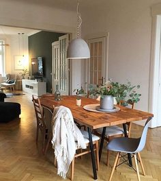 Cozy Living Rooms, Living Room Interior, Victorian Terrace Interior, Victorian Townhouse, Victorian House, Victorian Dining Tables, Dining Room Lighting, Dining Room Furniture, Furniture Ideas