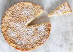 Torta della nonna Bagel, Bread, Toscana, Food, Italian Meringue, Italian Recipes, Grandma Cake, Kochen, Food Food