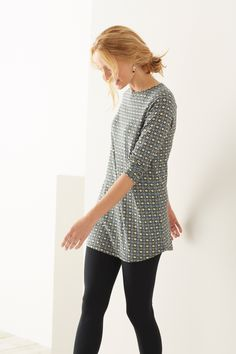 Love the shape and feel of our printed ballet-sleeve knit tunic with our ankle-length leggings