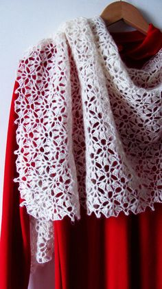 Swan Lake Shawl PDF Crochet Pattern von ShaggyNest auf Etsy