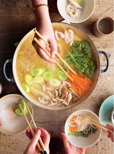 Mizutaki: A Japanese Hot Pot - The Happy FoodieYou can find Keto soup ideas and more on our website.Mizutaki: A Japanese Hot Pot - The Happy Foodie Soup Recipes, Cooking Recipes, Hot Pot Recipes, Recipes Dinner, Dinner Ideas, Cheap Recipes, Simply Recipes, Smoothie Recipes, Cooking Tips